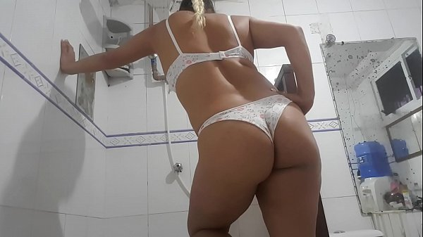 Hairy pussy wet from my aunt